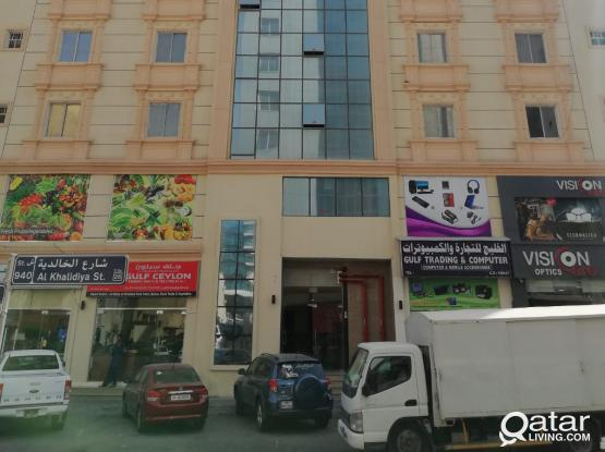 2 BED ROOM SPACIOUS FLATS AVAILABLE FOR  EXECUTIVE BACHELOR IN NAJMA