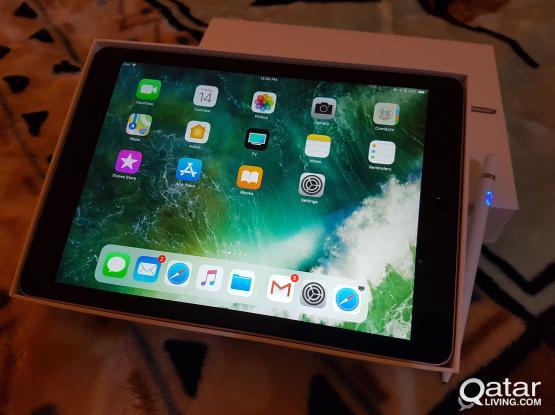 Apple Ipad air 2 with pen