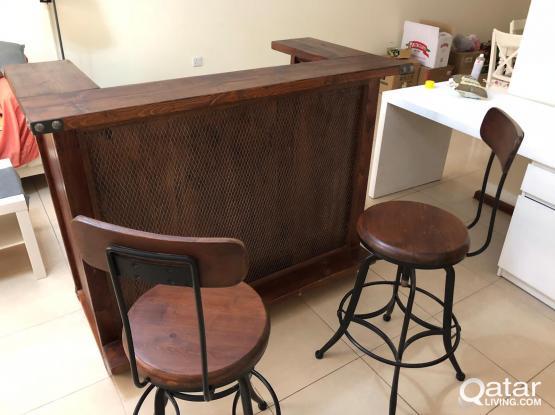 Bar Counter with bar stools
