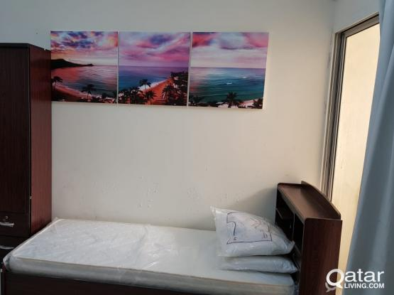 Executive Male Bed Space near sana/ Bank street