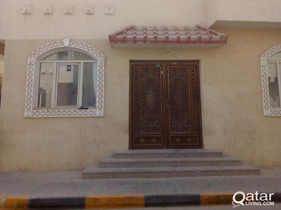 ***NO COMMISSION***8 BEDROOM 5 BATHROOM VILLA AVAILABLE FOR EXECUTIVE BACHELORS IN AIN KHALID