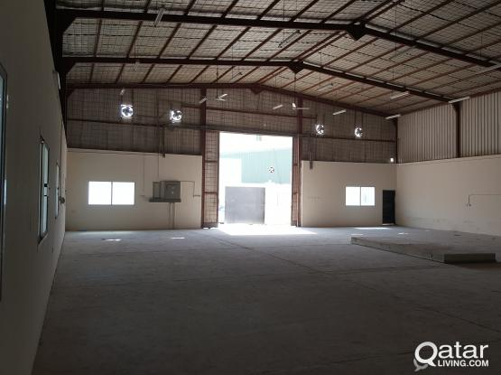 Warehouse 600 sq.m with 21 labour rooms industrial area