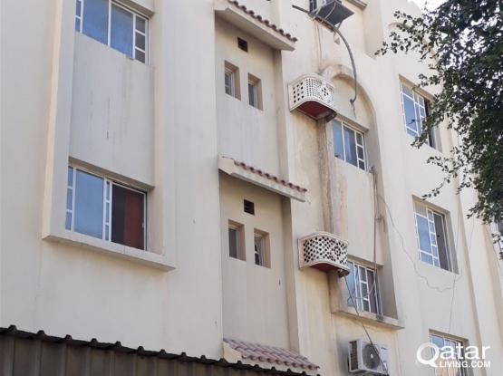 ***NO COMMISSION***1 Bhk semi furnished flat for family/bachelors executive staff
