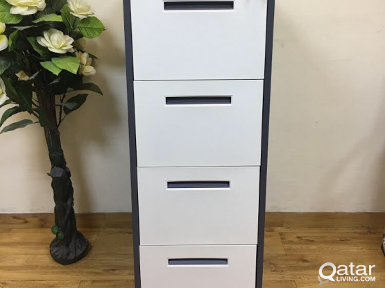 FILE CABINET WITH 4 DRAWER GOOD GUALITY BRAND NEW-PH:33280157