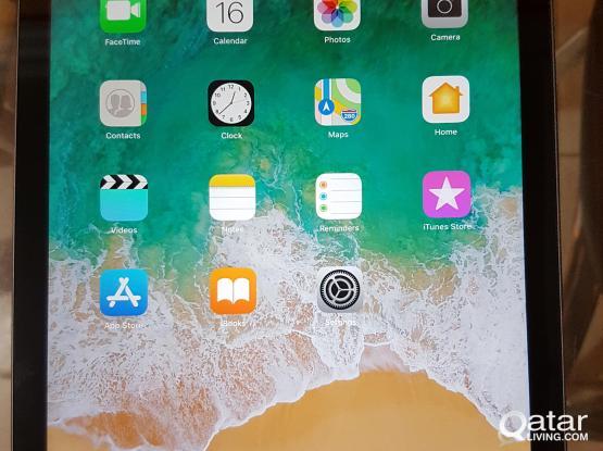 Apple iPad Air 16GB Wi-Fi (rarely use)