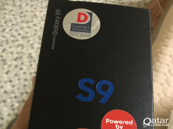 Samsung S9 midnight black 64Gb in sealed box never open got gift last week with Lulu bill and warranty