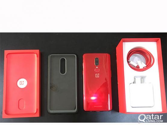 Oneplus 6 (Red 8GB/128GB) with 3 pcs 5D Tempered Glass Protector and Protective Clear Case