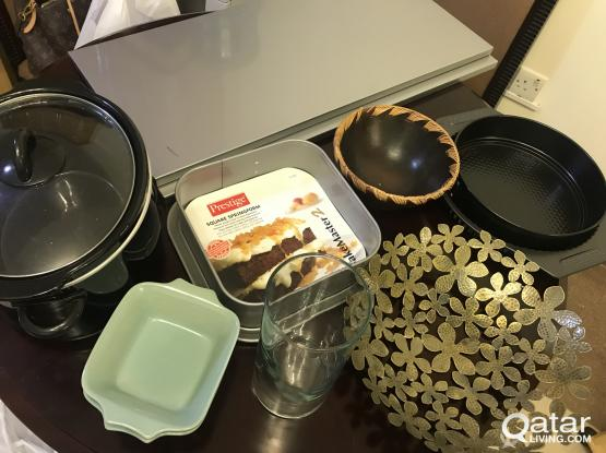 Kitchen ware items crockpot