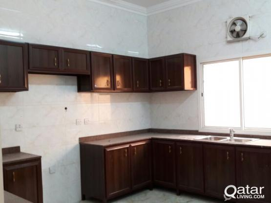 VILLA FOR BACHELOR EXECUTIVES@AINKHLID. NO COMMISSION