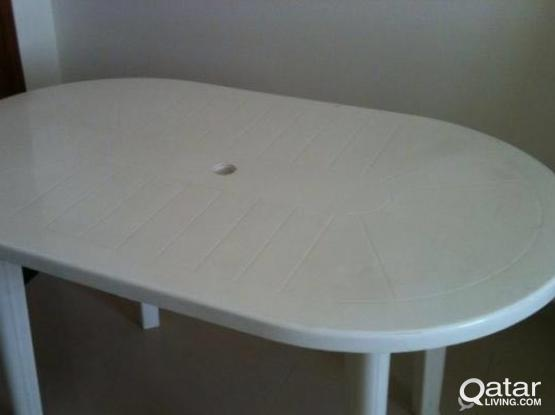Oval plastic table