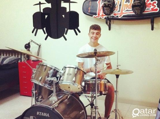 Drum Teacher, teaching immersive drum lessons to all aspiring drummers!