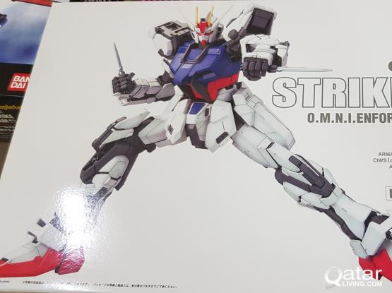 BANDAI PG 1/60 GAT-X105 Strike Gundam & SKYGRASPER+Aile Striker