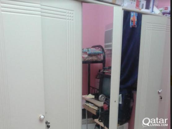 Mirror cupboard 3doors