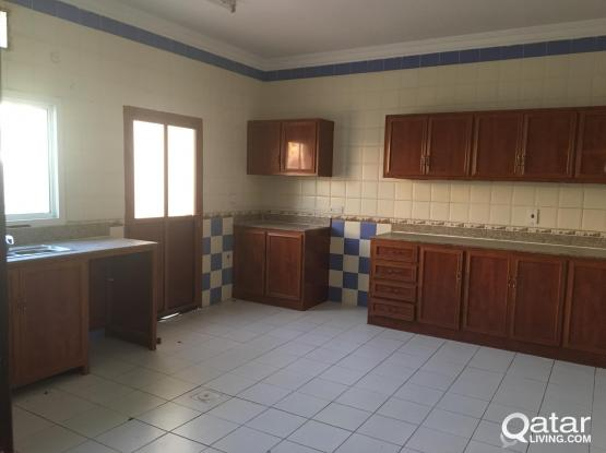 Very spacious new condition 5 BHK full villa available at wakrah with swimming pool and gym