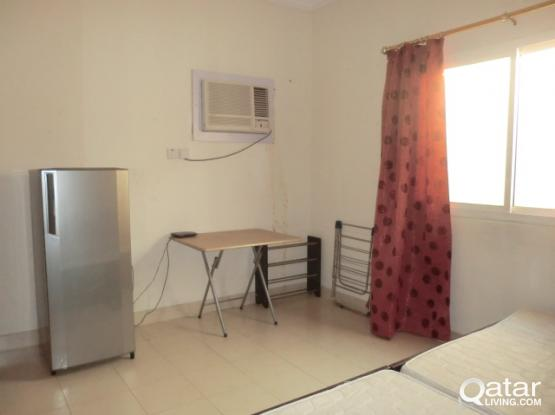 Spacious Room for a working Lady or a visiting couple