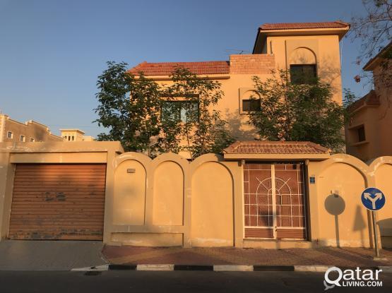 6 bhk Standalone villa for rent in Madhina Khalifa