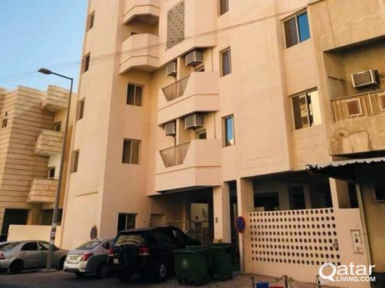 ***NO COMMISSION***EXECUTIVE BACHELOR'S 4 BHK APARTMENT IN NAJMA