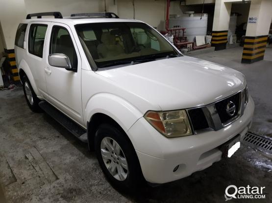Nissan Pathfinder LE 2007