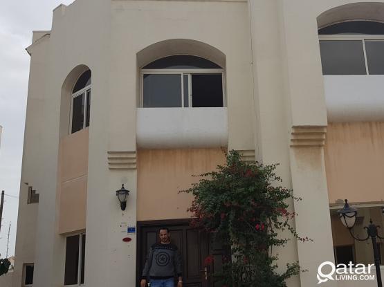 Villa beside medmac bridge at asiri 5 bhk فيلا بجوار جسر مدماك ٥ غرف بمجمع  راقى