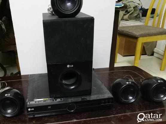 LG HOME THEATER 5 Speaker + Woofer