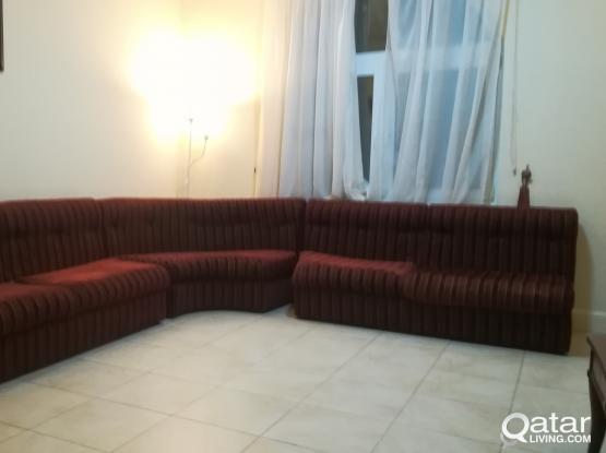 3 living room couches, 3 قطع عفش عربي تفصيل   Qatar Living