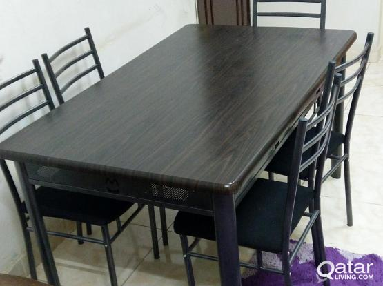 DINING TABLE/5 CHAIR FOR SALE