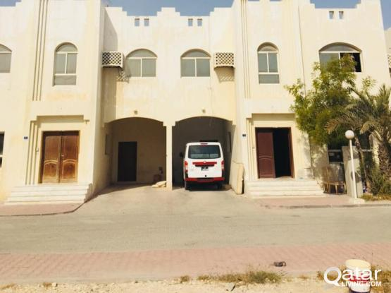 Very spacious 5 BHK full villa in compound available for executive bachelors in thumama rowda