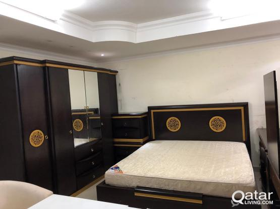 For sell king size bedroom set used 200x180cm