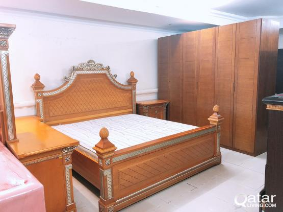 For sell King size bedroom set solid wood 200x180