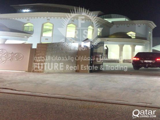 For sale or rent villa in Al Dafna area