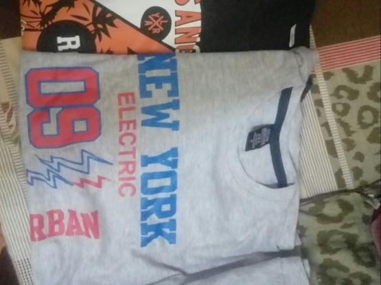 T Shirt and Sweater (Hude)