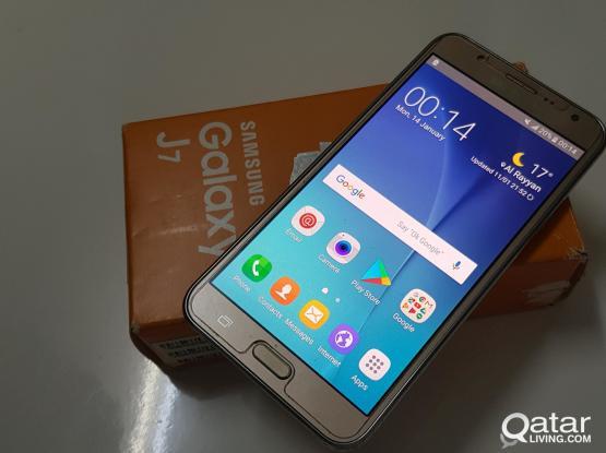 Samsung galaxy J7 dual SIM mobile for sale.