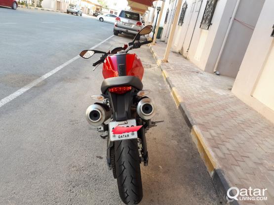 Ducati Monseter 696 2012