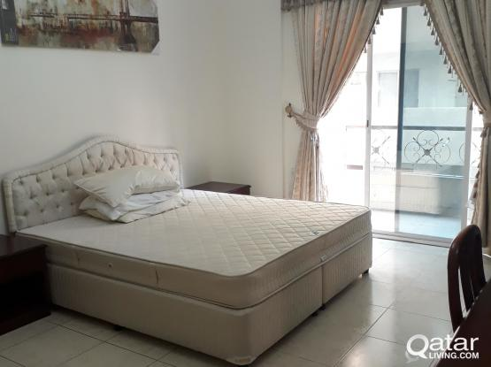 Master bedroom na may terrace,Le-mirage Aprt. Mansoura(Filipino Only)