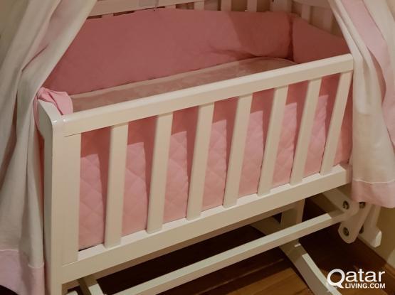 Nice baby crip including mattress