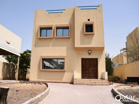 Huge front yard 3bed villa with out house