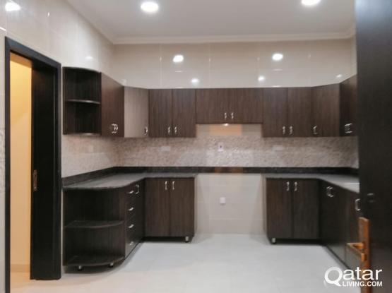 5BHK Unfurnished Compound Villa for rent in Abu Hamour