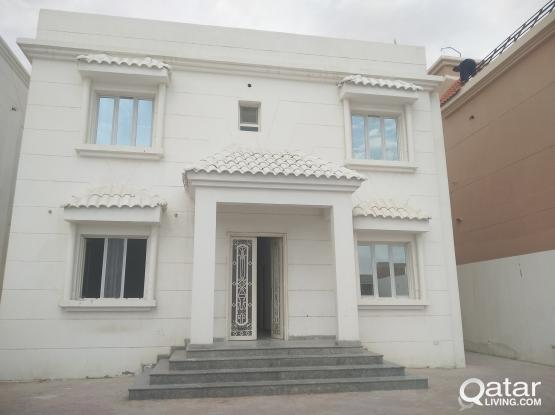 SPACIOUS STUDl0 AVAILABLE IN OLD AIRPORT NEAR TO FIRE STATION R/A