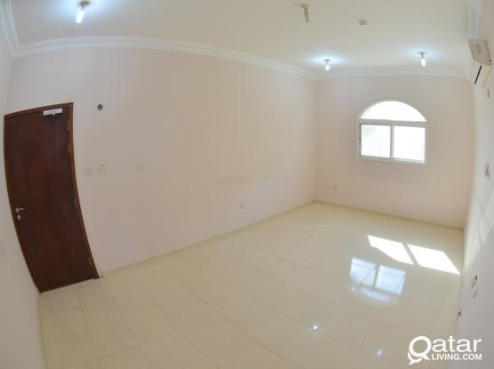 3 BEDROOM UNFURNISHED APARTMENT WITH A/Cs IN OLD AIRPORT NEAR D-RING