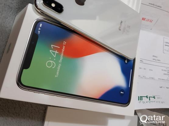APPLE IPHONE X    ..SILVER   (( ONLY 2 MONTH USED))