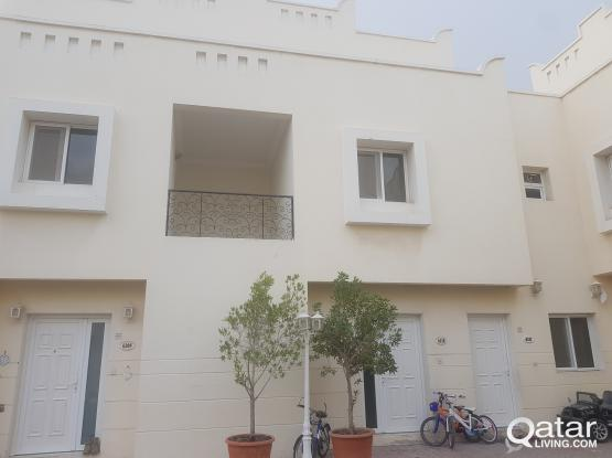 3 beds villa include water and electricity .rent fixed 9000