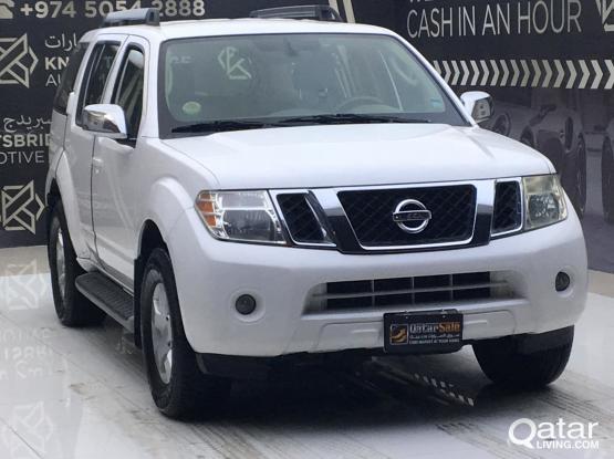 Nissan Pathfinder SE 2011
