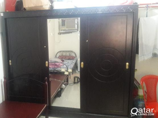 Big wardrobe for sale Qr 600 only !!! ( REDUCED PRICE & SLIGHTLY NEGOTIABLE  )
