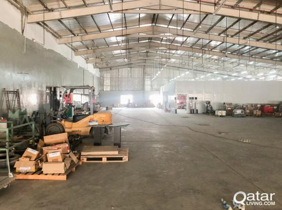 Big Garage Warehouse For Rent at Industrial Area