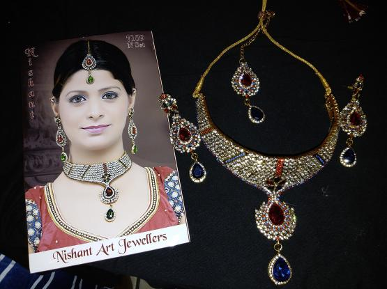 Unique n eye catching jewellery items at a very reasonable price
