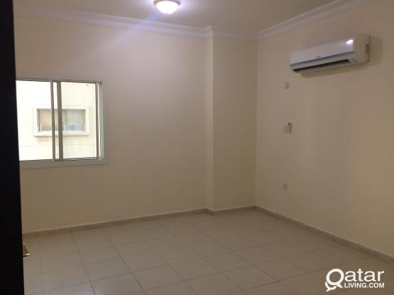 2BHK FLAT FOR EXECUTIVES D@NAJMA , NO COMMISSION