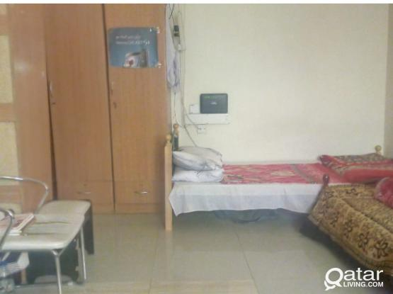 Bachlor room available in old airport behind al  zaman exchange from october common kitchen saparate bathroom for indian or nepal
