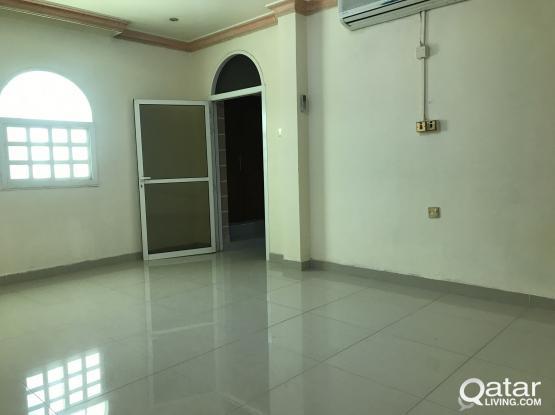 spacious 2 bedroom villa part for rent at Newsaltha