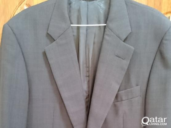 Hickey Freeman Luxury Suit (Made in USA)- Excellent condition- Lightly used