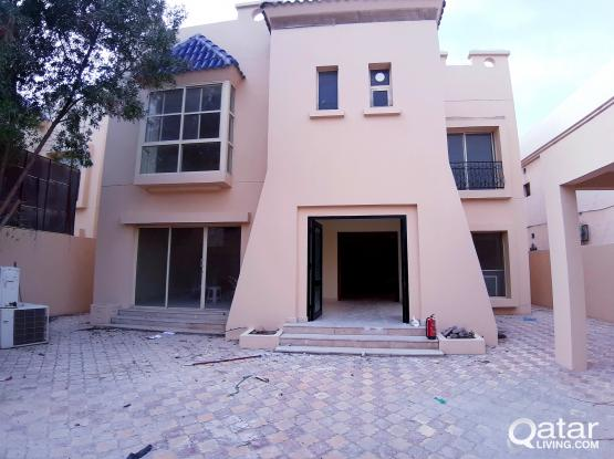 Deluxe 6bed standalone villa with out house